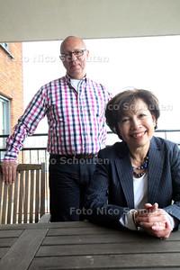 Mantelzorger Els Gelderblom en buddy Wim van Egmond ivm nieuw project van Buddy Netwer voor dementerende (man van Els is dement) - DEN HAAG 7 APRIL 2011 - FOTO NICO SCHOUTEN