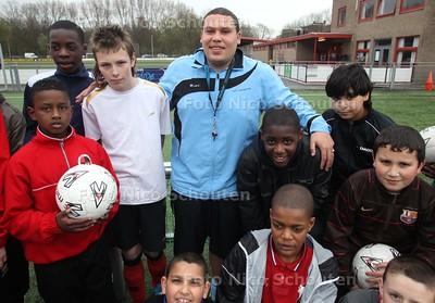 Jean-Louis Da Costa Gomez trainer van jeugdvoetballers bij Laakkwartier - DEN HAAG 30 MAART 2011 - FOTO NICO SCHOUTEN - portret - sport - jeugd