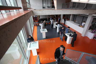 Nieuw gebouw voor jonge ondernemers LAB S 55  - DEN HAAG 14 APRIL 2011 - FOTO NICO SCHOUTEN - cultuur - business