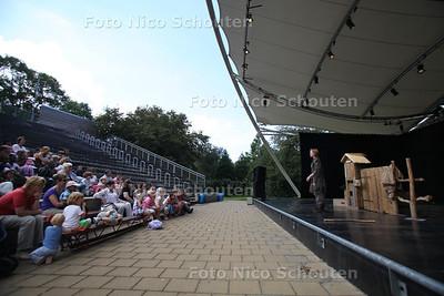 Openluchttheater (heet nu: Parktheater) in het Zuiderpark - DEN HAAG 5 AUGUSTUS 2011 - FOTO NICO SCHOUTEN