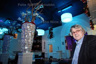 Ondernemer Wim Blansjaar in zijn uitgaansgelegenheid 2ndFloor voor 25plussers - ZOETERMEER 21 DECEMBER 2011 - FOTO NICO SCHOUTEN