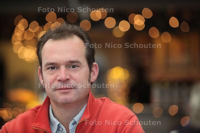 corne van doorn, voetbaltrainer van HBS - DEN HAAG 19 DECEMBER 2011 - FOTO NICO SCHOUTEN