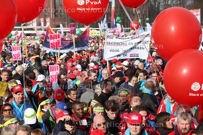 Demonstratie tegen bezuinigingen in de publieke sector op het Malieveld - DEN HAAG 15 FRBRUARI 2011 - FOTO NICO SCHOUTEN