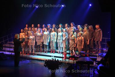 Valentijnsconcert van Dario Fo in theater de Naald - NAALDWIJK 14 FEBRUARI 2011 - FOTO NICO SCHOUTEN