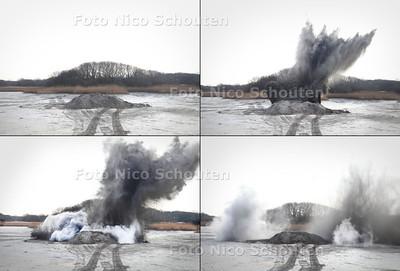 Ontploffing brisantgranaat in waterwingebied Meijendel - DEN HAAG 21 FEBRUARI 2011 - FOTO NICO SCHOUTEN