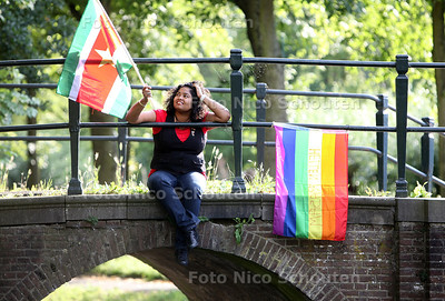Anita Chedi, deelneemster uit Den Haag aan hindoestaanse Gay Pride-boot te Amsterdam - DEN HAAG 19 JULI 2011 - FOTO NICO SCHOUTEN