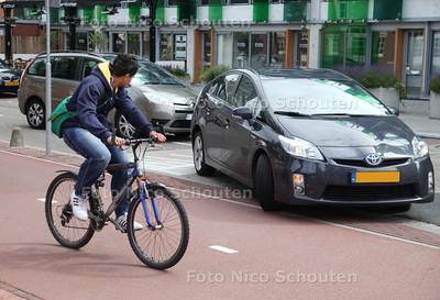 gevaarlijke situatie op de kruising Laan van Zuid Hoorn met bedrijvenpark Hof van Hoornwijck waar onlangs een dodelijk ongeluk plaatsvond - RIJSWIJK 21 JUNI 2011 - FOTO NICO SCHOUTEN