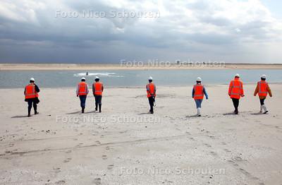 De Zandmotor bij Kijkduin - DEN HAAG 10 JUNI 2011 - FOTO NICO SCHOUTEN