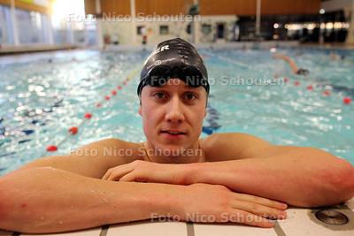 Zwemmer Brian Mannaarts van WVZ - ZOETERMEER 8 MAART 2011 - FOTO NICO SCHOUTEN