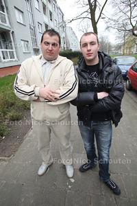Jongens die inbreker aangehouden hebben - Ahmed(l) en Jan - DEN HAAG 17 MAART  2011 - FOTO NICO SCHOUTEN