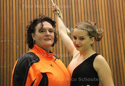 moeder Miranda Le Duc en dochter Ilsa Hoogendijk van Dreamgirls - DELFT 18 NOVEMBER 2011 - FOTO NICO SCHOUTEN