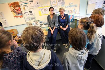 Het Open Venster. Kleinste schooltje van Nederland voor dyslextische kinderen in Mariahoeve. Juf Marjet Dijkstra (l0 en Anita van Schie - DEN HAAG 26 OKTOBER 2011 - FOTO NICO SCHOUTEN
