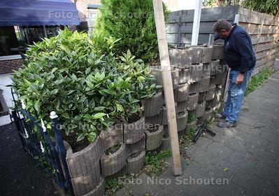 Omver geduwd muurtje Slangenburg - MONSTER 13 SEPTEMBER 2011 - FOTO NICO SCHOUTEN