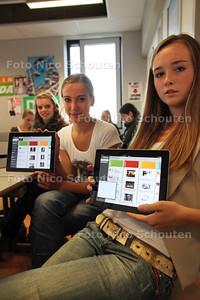 Leerlingen van de Dalton MAVO krijgen les met een of over de Ipad - NAALSWIJK 9 SEPTEMBER 2011 - FOTO NICO SCHOUTEN