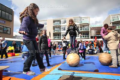 Zaterdag start de Nationale Sportweek. Op het Stadhuisplein zijn de hele dag allerlei activiteiten - ZOETERMEER 21 APRIL 2012- FOTO NICO SCHOUTEN