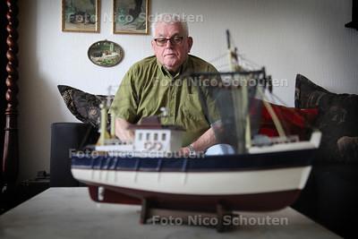 dhr. Van Deutekom, is boos dat de namen van zijn vader en anderen niet worden opgenomen op het Vissersnamenmonument Scheveningen - DEN HAAG 8 AUGUSTUS 2012 - FOTO NICO SCHOUTEN