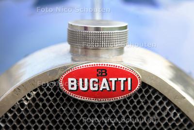 Bugatti uit 1927 - ZOETERMEER 11 AUGUSTUS 2012 - FOTO NICO SCHOUTEN