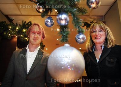 Coen en Inge van der Burg, eigenaren van De Sniep in het restaurant met kerstsfeer - ZOETERMEER 20 DECEMBER 2012 - FOTO NICO SCHOUTEN