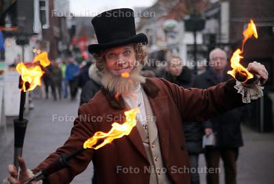 Dickensfestival in de Dorpsstraat - ZOETERMEER 15 DECEMBER 2012 - FOTO NICO SCHOUTEN