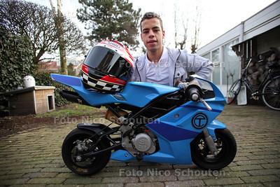 Motorcoureur Tony Covena met zijn eerste motor waarop hij het racen geleerd heeft. Een minibike van het merk Blata - DEN HAAG 17 FEBRUARI 2012 - FOTO NICO SCHOUTEN