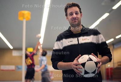 Achilles korfbaltrainer Eric den Dekker - DEN HAAG 21 FEBRUARI 2012 - FOTO NICO SCHOUTEN