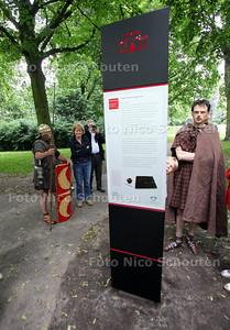 Het monumentale Park Arentsburg/Hoekenburg in Voorburg is sinds kort verfraaid met vijf stadsbakens en een hoofdbaken over de belangrijke Romeinse stad Forum Hadriani die daar 2.000 jaar geleden lag - RIJSWIJK 22 JUNI 2012 - FOTO NICO SCHOUTEN