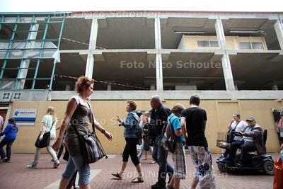 Uitbreiding met megazaak in Stadshart - ZOETERMEER 30 MEI 2012 - FOTO NICO SCHOUTEN