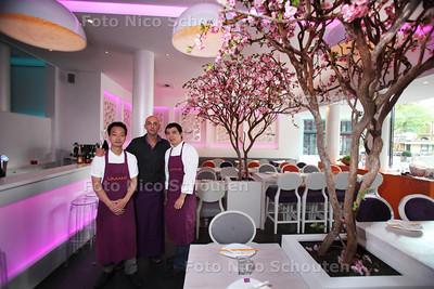 Restaurant Umami voor Gouden Pollepel - vlnr chefkok Su, Bedrijfsleider Jamel Le Vinyard en sous chef Guo - DEN HAAG 25 SEPTEMBER 2012 - FOTO NICO SCHOUTEN