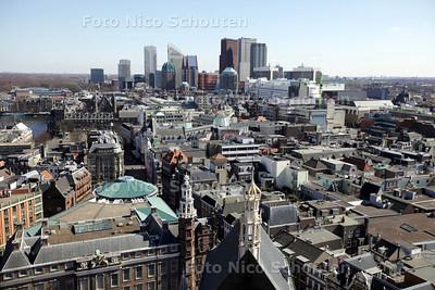 Het centrum en de Skyline van Den Haag gezien van de de Haagse Toren (Grote Kerk) - DEN HAAG 6 APRIL 2013 - FOTO NICO SCHOUTEN