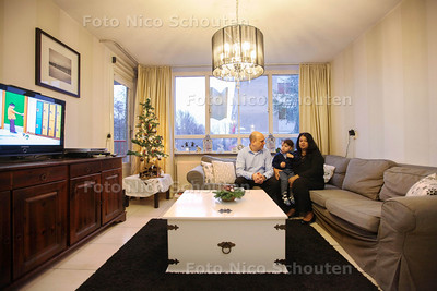 Antoine en Chiquita Redegeld in hun huis dat te koop staat. (Voor Wonenpagina) - DEN HAAG 18 DECEMBER 2013 - FOTOGRAAF NICO SCHOUTEN
