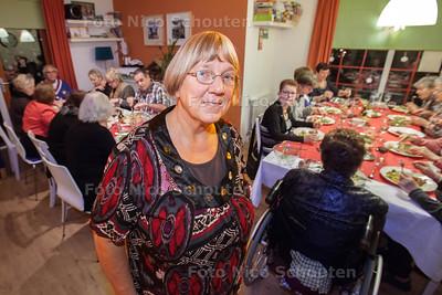 coordinator Wilma van Hengel in perron 28. Zij is de drijvende kracht achter dit ontmoetingscentrum - ZOETERMEER 20 DECEMBER 2013 - FOTOGRAAF NICO SCHOUTEN