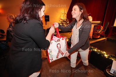 Stichting A break 4 Kids heeft deze avond een kerstbuffet en cadeautjes voor de allerarmste kindjes uit de stad georganiseerd - ZOETERMEER 17 DECEMBER 2013 - FOTOGRAAF NICO SCHOUTEN