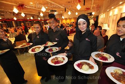 Kerstdiner Stedelijk College - ZOETERMEER 18 DECEMBER 2013 - FOTOGRAAF NICO SCHOUTEN