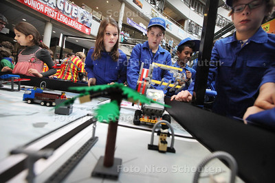 FIRST Lego League - DEN HAAG 15 DECEMBER 2013 - FOTOGRAAF NICO SCHOUTEN