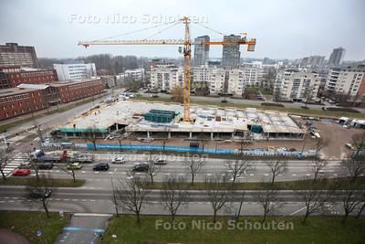 Aan de Van Leeuwenhoeklaan wordt op het terrein van de oude crossfietsvereniging het Futura-complex gebouwd - ZOETERMEER 19 FEBRUARI 2013 - FOTO NICO SCHOUTEN