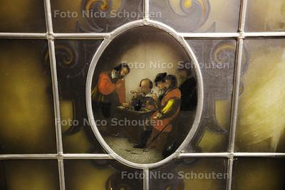 Mammoet Oude Bouwmaterialen - Gebrand glas in lood - DEN HAAG 17 JANUARI 2013 - FOTO NICO SCHOUTEN