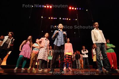 Basisschool 't Palet uit de Schilderswijk doet de jaarlijkse schoolmusical in de Haagse Schouwburg - DEN HAAG 12 JULI 2013 - FOTO NICO SCHOUTEN