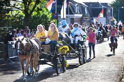 Stompwijkse Paardendagen optocht over de Stompwijkse weg - STOMPWIJK 19 JULI 2013 - FOTO NICO SCHOUTEN