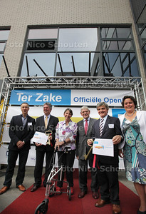 Opening van het Ondernemershuis. Links Jetta Kleinsma - ZOETERMEER 18JUNI 2013 - FOTO NICO SCHOUTEN