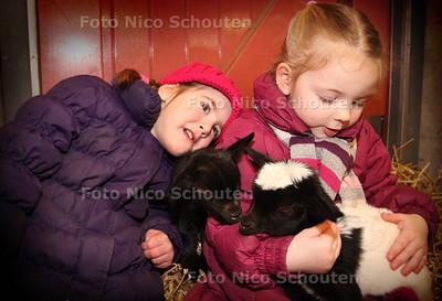 Geboortegolf op Weidemolen vlnr  Jasmijn, Finne - ZOETERMEER 18 MAART 2013 - FOTO NICO SCHOUTEN