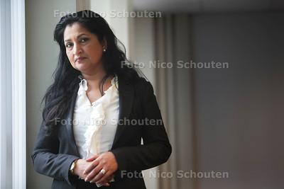 De Pakistaans Nederlandse schrijfster Hameeda Lakho werd in haar jeugd ernstig mishandeld door haar vader en stiefmoeder. Mede door haar jeugd heeft ze een jaar of 7 geleden Stichting Geheim Geweld opgericht. In de hoop de gevolgen van kindermishandeling bespreekbaar te maken, gaat ze vanuit de stichting nieuwe activiteiten organiseren, onder andere een benefietconcert - DEN HAAG 13 MEI 2013 - FOTO NICO SCHOUTEN
