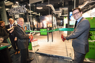 Van Aartsen en Karsten Klein openen een pop-up ambassade in New Babylon. Vanuit hier worden ambassadeurs voor het WK Hockey geworven - DEN HAAG 26 NOVEMBER 2013 - FOTGRAAF NICO SCHOUTEN
