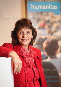 Joyce van Hoek, coordinator van de praatgroep Steun na Scheiding van Humanitas - ZOETERMEER 28 NOVEMBER 2013 - FOTGRAAF NICO SCHOUTEN