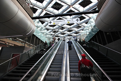 Den Haag Centraal Station vernieuwd - DEN HAAG 26 OKTOBER 2013 - FOTOGRAAF NICO SCHOUTEN