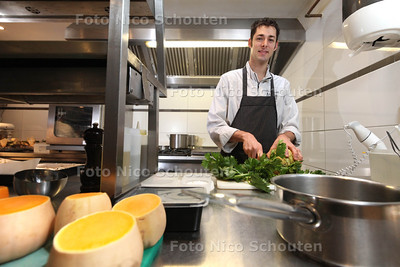 Chef-kok Takis Panagakis van restaurant Mazie heeft culinaire prijs gewonnen - DEN HAAG 18 OKTOBER 2013 - FOTO NICO SCHOUTEN