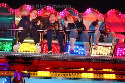 Kermis in het Van Tuyllpark - De Parajump - ZOETERMEER 18 OKTOBER 2013 - FOTOGRAAF NICO SCHOUTEN