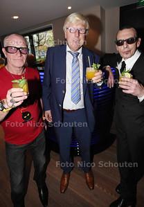 Nachtburgemeester René Bom lanceert eigen cocktail 'The Hague Bomb' in trendy bar SPARK - vlnr Nachtburgemeesters René Bom (Den Haag), Menno Quark (Delft) en Juules Deelder