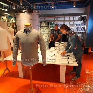 New Babylon open - Bij Mr Smith! zijn nog druk bezig met overhemden uitpakken - DEN HAAG 18 SEPTEMBER 2013 - FOTO NICO SCHOUTEN
