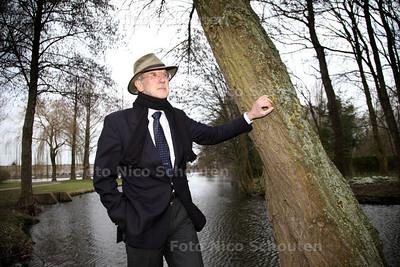 Ambachtsheer Rob Visser. Visser vertelt hoe hij ambachtsheer van Zoetermeer is geworden en wat de geschiedenis is achter zijn ambt - ZOETERMEER 19 FEBRUARI 2014 - FOTGRAFIE NICO SCHOUTEN