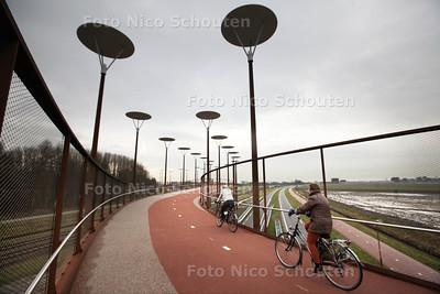Nieuwe Jan Waaijerbrug in gebruik - ZOETERMEER 22 JANUARI 2014 - FOTOGRAAF NICO SCHOUTEN